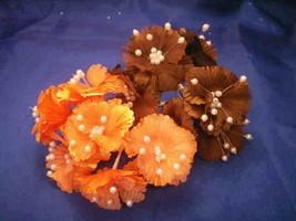 36 silk daisy flower favor picks with center pearls - $8.00