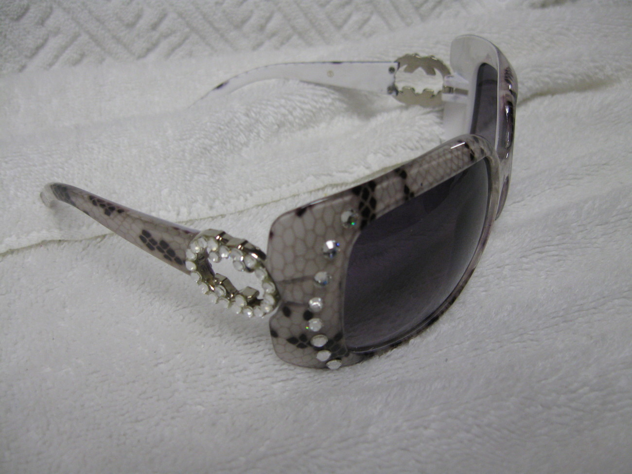 8781839bafbfb9 Sunglasses