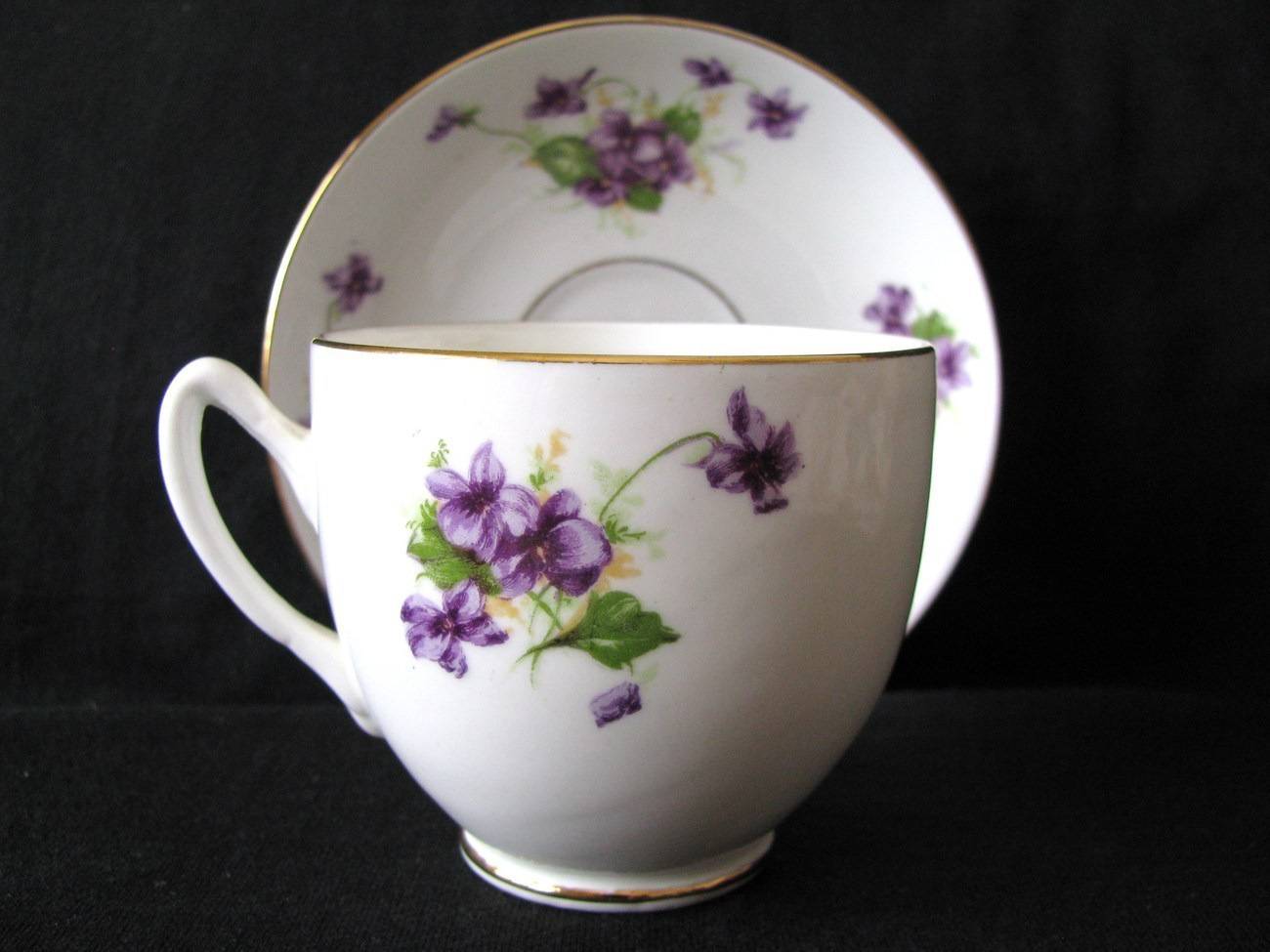duchess bone china tea cup and saucer violets cups saucers. Black Bedroom Furniture Sets. Home Design Ideas