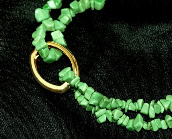 Green Stone Necklace with Goldtone Shortening Clasp = 4 Different Styles in 1