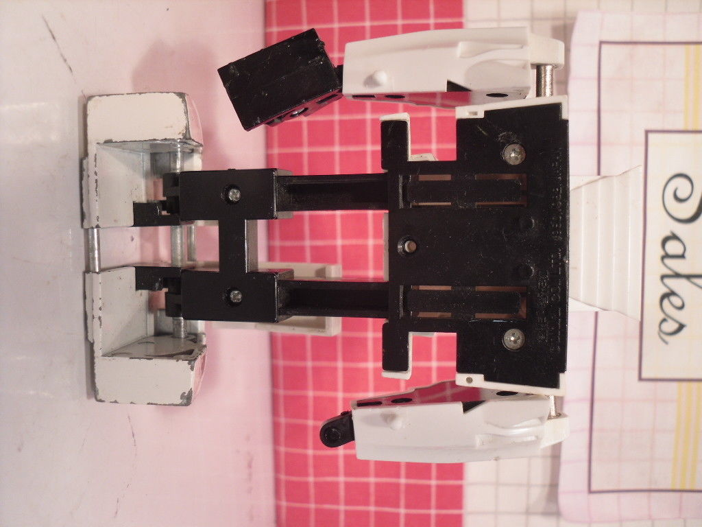 Vintage Transformers G1 Pre Rub Wheeljack for Parts - Takara 1980,1982 stamping