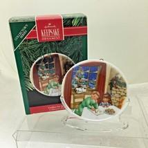 1990 Hallmark Christmas Ornament Collectors Plate #4 Cookies for Santa H20 - $12.38