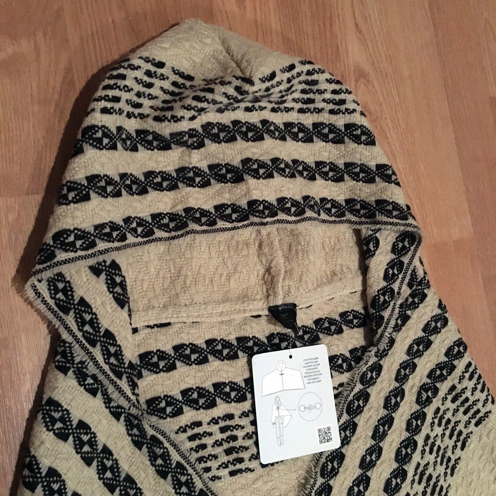 D&Y Women's Hooded BLACK/ BEIGE Cape Shawl Wrap Toggle Clasp Fringe Trim