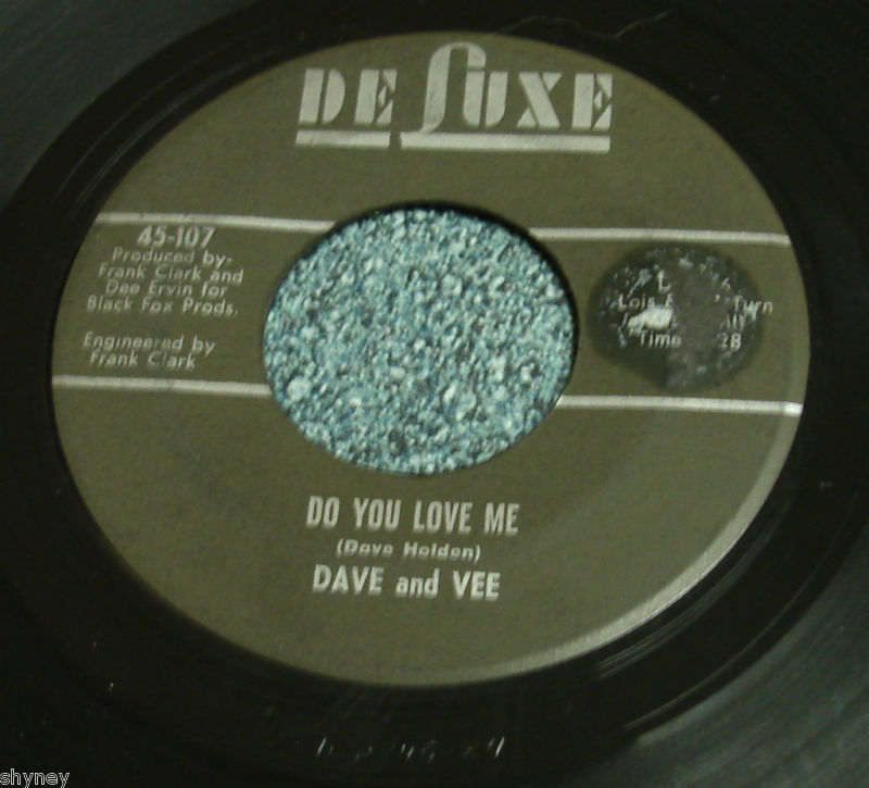 DAVE AND VEE Deluxe 45 TAKE ME ON YOUR MAGIC CARPET RIDE / DO YOU LOVE ME
