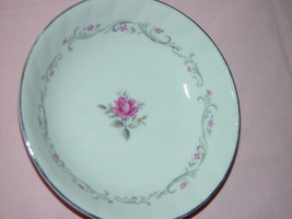 Royal Swirl Fine China Fruit- Dressert Bowl - $10.00