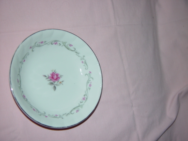 Royal Swirl Fine China Fruit- Dressert Bowl