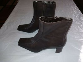 Bandolino Size 8m Leather Heel Boots Pointed Toe - $8.99