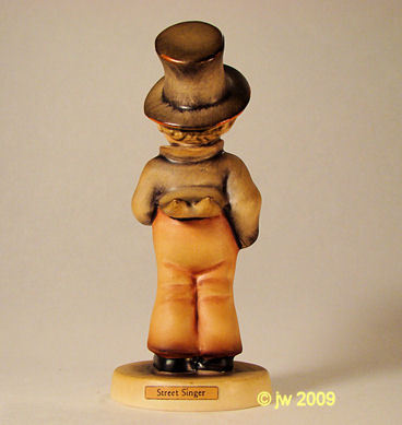 Hummel Street Singer Soloist 131 TMK-3 Goebel Figurine