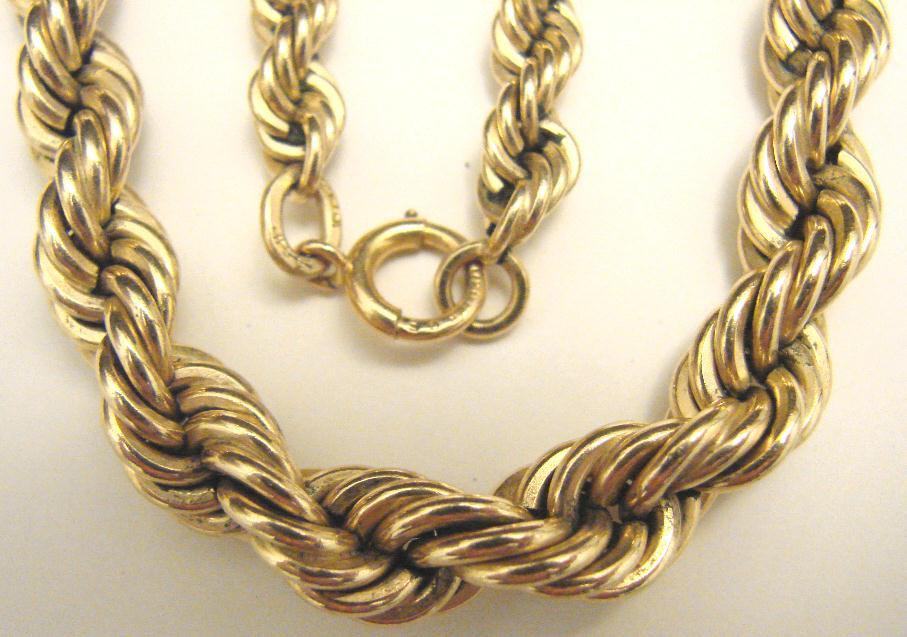 RETRO TWISTED ROPE NECKLACE