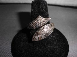 VTG Ornate Silver Tone Carved Ring Size 7 Signed Spain - $19.80