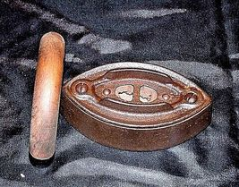 No 3 SAD Iron with G on the Wood Handle AB 565-C Antique image 3
