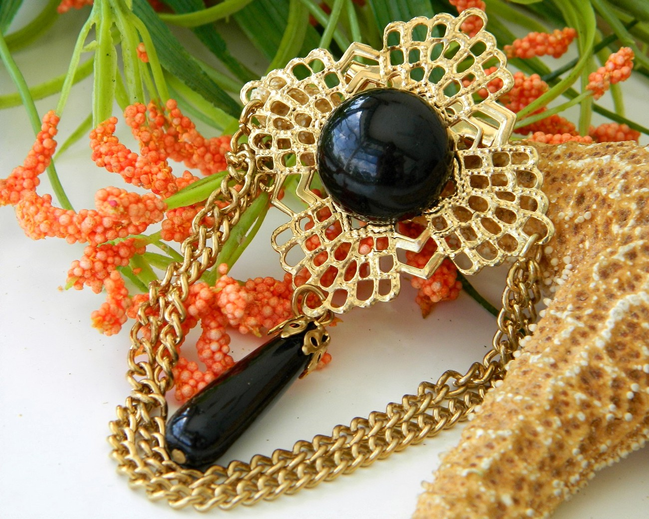 Vintage filigree chain brooch pin black cabochon gold tone