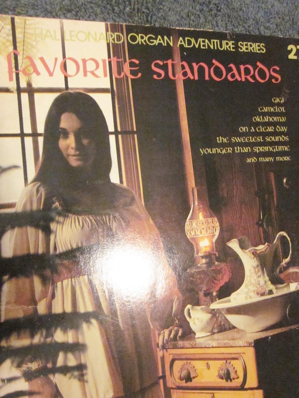 Hal Leonard Favorite Standards Organ Adventures No. 27 - 1982