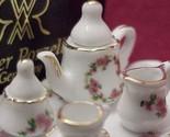 Lisa tea v small set 3short thumb155 crop