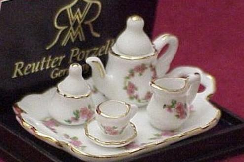 DOLLHOUSE Miniature Tea Set for 1 Lisa Pattern Reutter Porcelain 625/8 gemjane