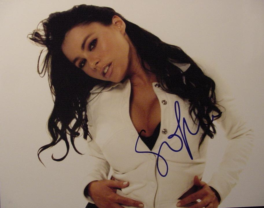 Sofia Vergara hand signed autographed photo