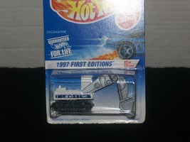 EXCAVATOR White 1997 1st Edition Hot Wheels  # 512 - $21.00