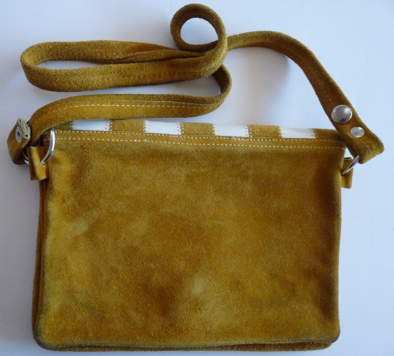 Gold suede & white mod women's shoulder bag 1970 vintage cross body