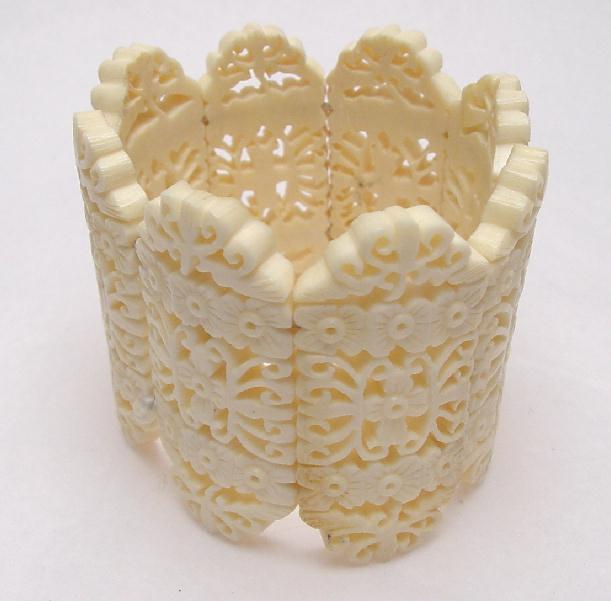 VINTAGE CARVED BONE BRACELET - CHINESE