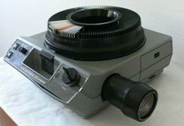 Vintage Kodak Ektagraphic III A Carousel Slide Projector For Parts and R... - $64.34