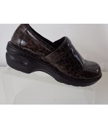 BORN BOC PATENT LEATHER LEOPARD PRINT BROWN SLIP ON WOMENS SHOES SIZE 8.5 - $28.70