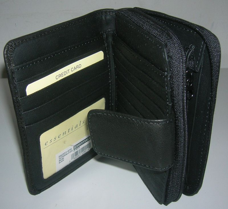 NEW LADIES LEATHER TAB ZIP AROUND ATTACHE BLACK WALLET