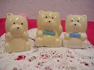 Three Bears Salt & Pepper Shakers w/Toothpick Holder