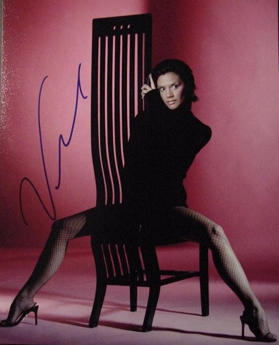 Victoria Beckham hand signed photo sexy hot legs