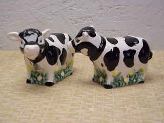 Salt & Pepper Shakers Holstein Cows