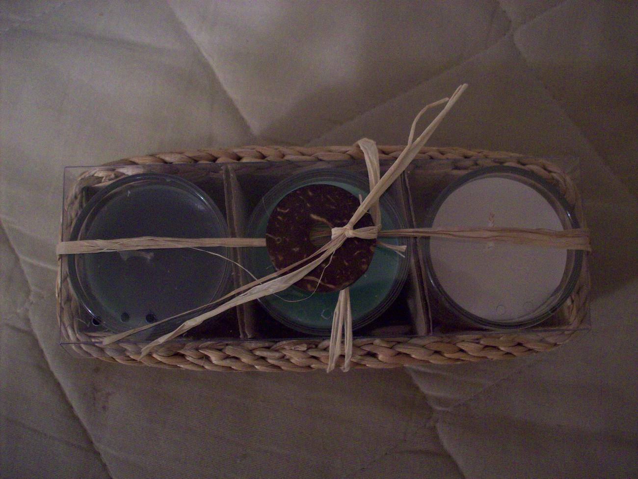 SCENTED CANDLE GIFT SET OF 3