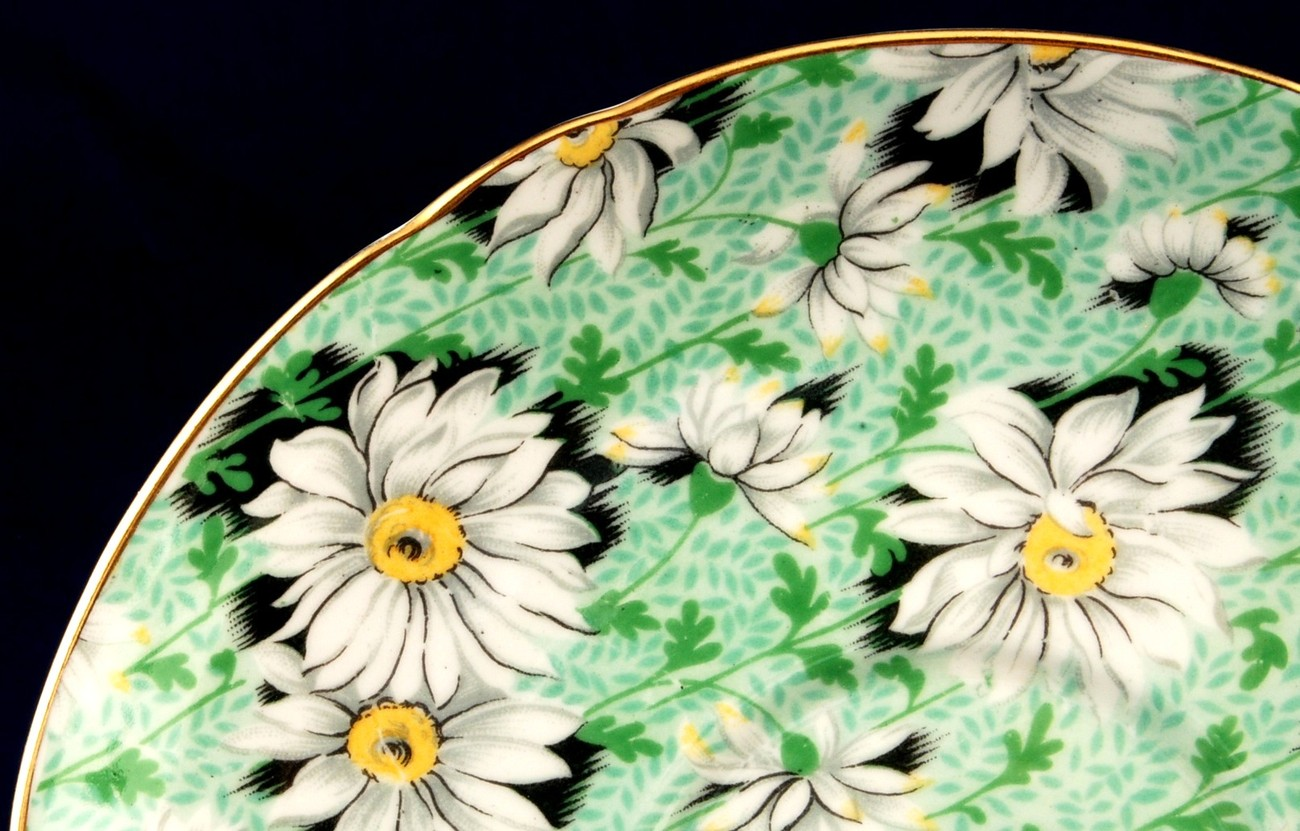 Shelley Green w White Daisy Saucer Ripon Shape 13381 Gold Trim Mint Chintz China