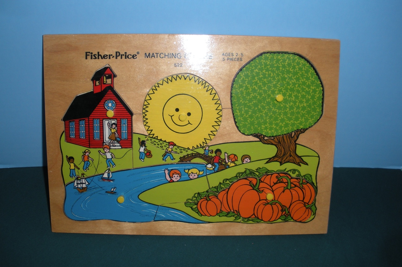 Vintage Fisher Price #522 Matching Colors Pick Up 'N Peek Wooden Puzzle!