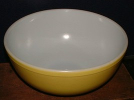 Original 1940's Pyrex Yellow Primary Nesting Bowl 4 Quart No Numbers 10.5 Inches - $38.60