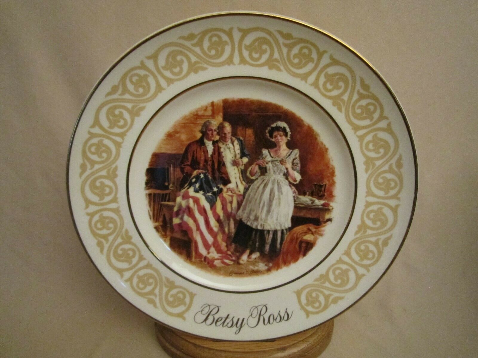 BETSY ROSS  Collector Plate AVON Stars and Stripes FLAG