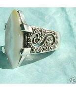 mother of pearl in sterling silver size  8 ring - $25.00