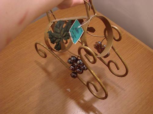 Rustic Metal Wine Holder Grapes and Leaf Design