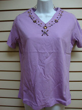 NWT - DENIM & CO PURPLE V NECK BEADED SHIRT - SIZE SMALL - $8.81