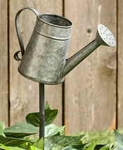 Rustic Country Farmhouse Outdoor Galvanized Metal Garden Stake Planter D... - $9.85