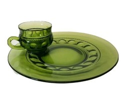 """VTG  Green  Kings Crown Thumbprint Snack Luncheon Plate with Cup 10 1/2""""... - $13.85"""