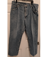 Men's Wrangler Denim Blue Jeans 40 x 32  - $19.00