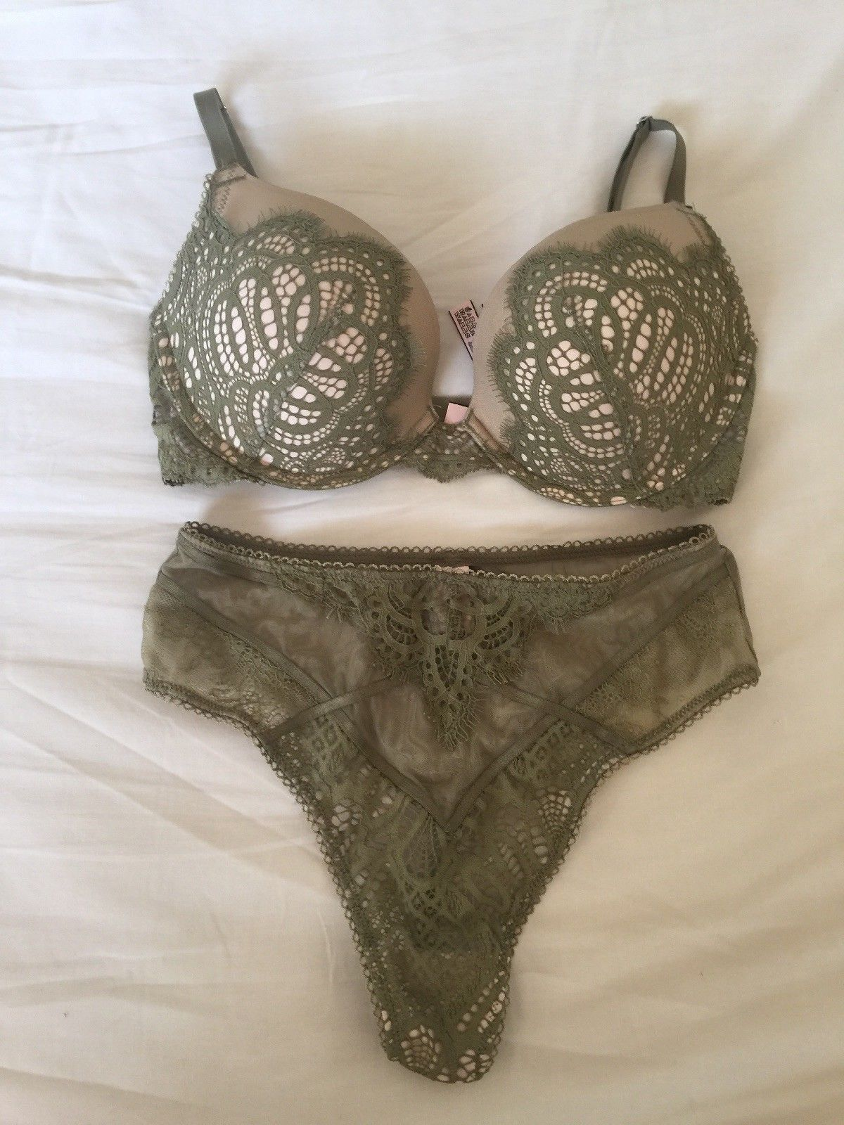 61b4f45af281d Victorias Secret 32DD Lace Bra Very Sexy and similar items. S l1600