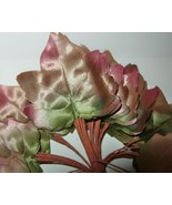 Vintage Millinery Flower Leaves 1940's Ombre Sa... - $10.39