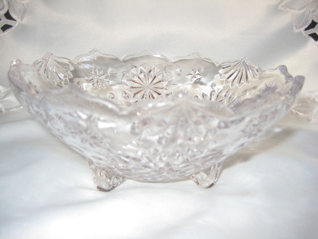 Pretty crystal clear candy dish