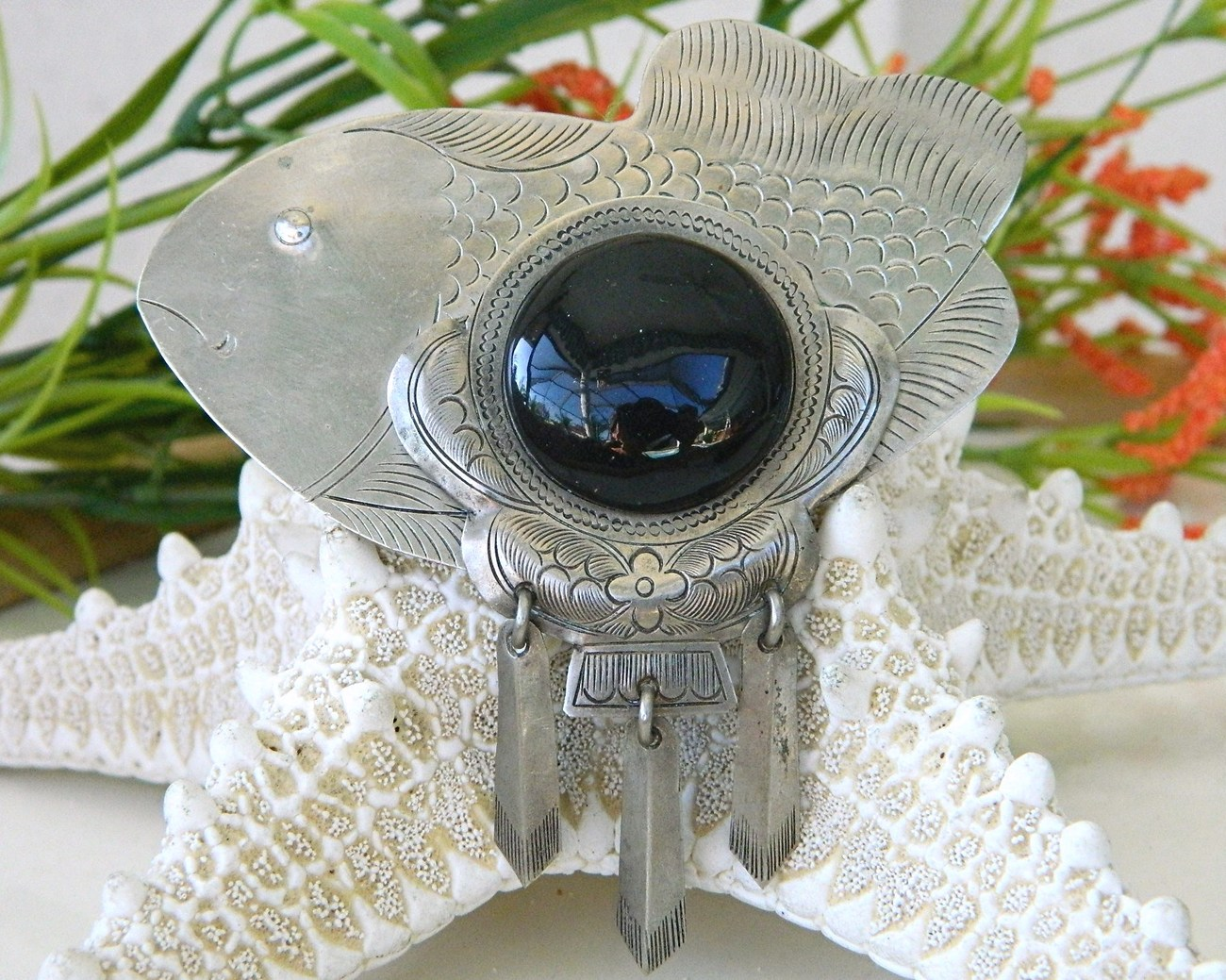 Primary image for Vintage Fish Brooch Pin Black Cabochon Large Mexico Silver