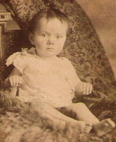 ANTIQUE BRITISH CARD DE VISITE BEAUTIFUL BABY IN WHITE SEPIA PHOTO
