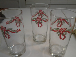 "Mistletoe 12 oz Bar Glasses (3) 6.25"" Tall Very Lovely, EUC - $7.20"