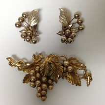 Vintage, Rare, Gold Tone, Pearls, Grapes  3pc Brooch and Clip Earrings Set - $18.95