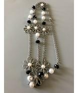 Beautiful Silvertone Flower Faux Pearl Beaded Necklace - $5.22