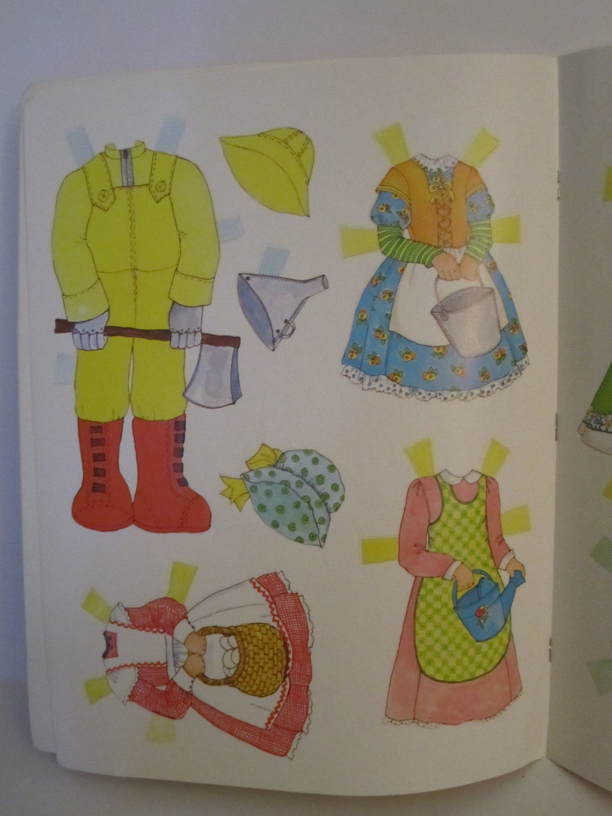 Whitman Wizard of OZ PaperDolls Vintage 1976 Paper Doll #1987 image 8