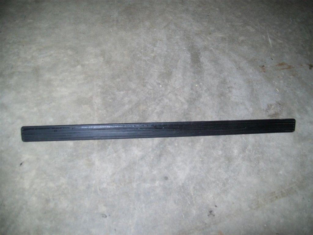 Primary image for 1990 90 Dodge Dynasty Front Rocker Panel Trim Insert